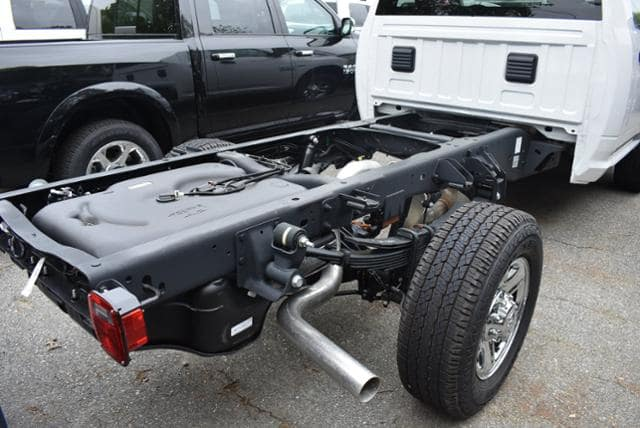 2018 Ram 3500 Regular Cab 4x4,  Cab Chassis #18059 - photo 4