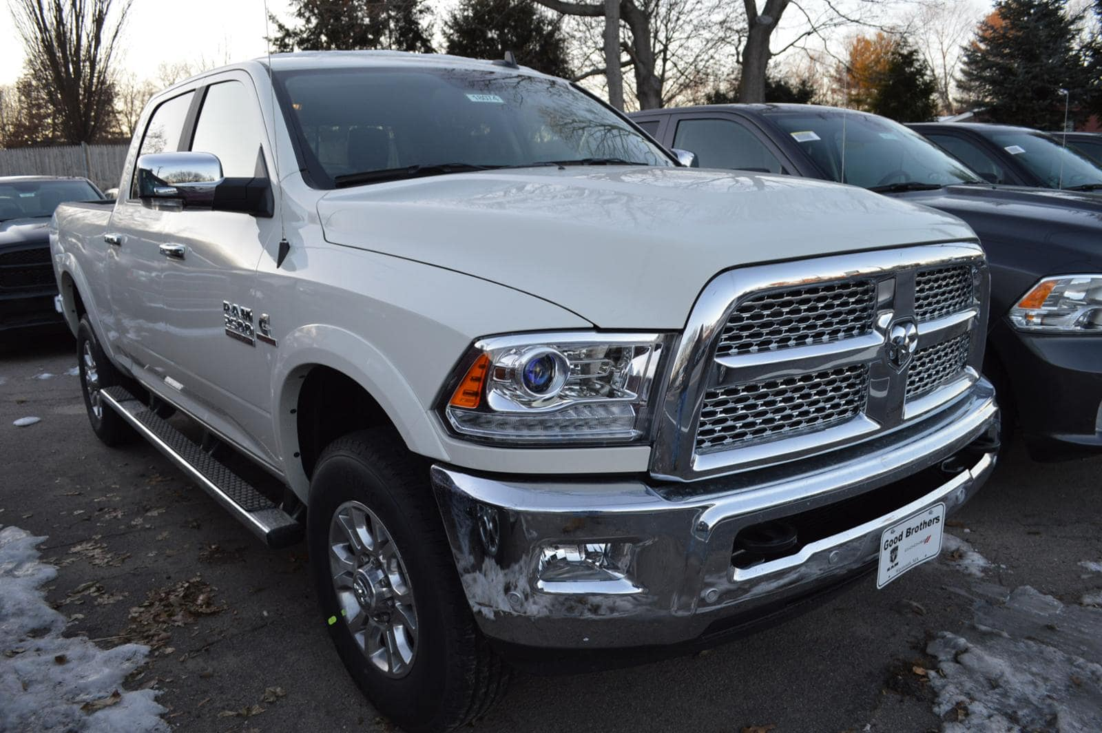 2018 Ram 2500 Crew Cab 4x4 Pickup #18074 - photo 3