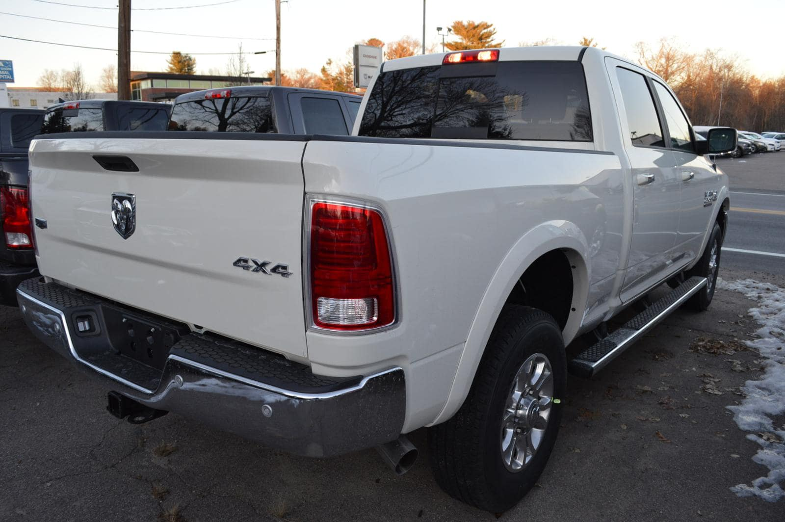 2018 Ram 2500 Crew Cab 4x4 Pickup #18074 - photo 4