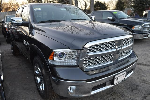 2018 Ram 1500 Crew Cab 4x4, Pickup #18216 - photo 4