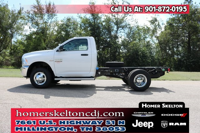 2018 Ram 3500 Regular Cab DRW 4x4, Cab Chassis #801461 - photo 1