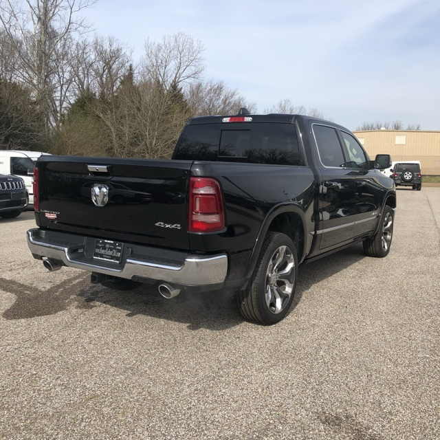 2018 Ram 3500 Crew Cab DRW 4x4,  Pickup #801577 - photo 5