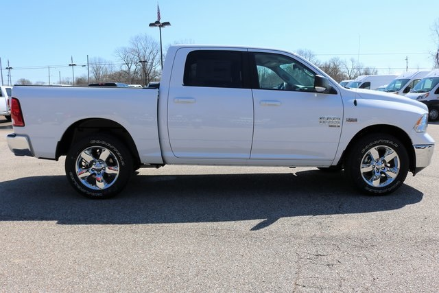 2019 Ram 1500 Crew Cab 4x4,  Pickup #900192 - photo 6