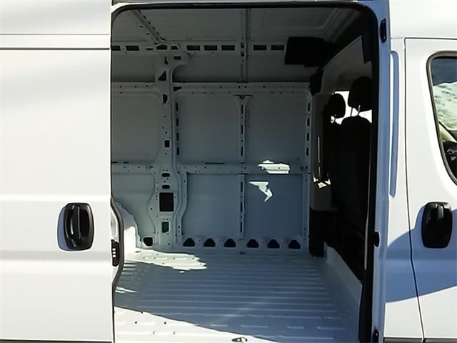 2018 ProMaster 2500 High Roof, Cargo Van #R8004 - photo 6