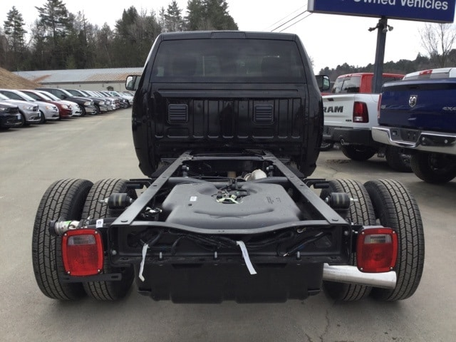 2018 Ram 3500 Regular Cab DRW 4x4, Cab Chassis #R8144 - photo 6