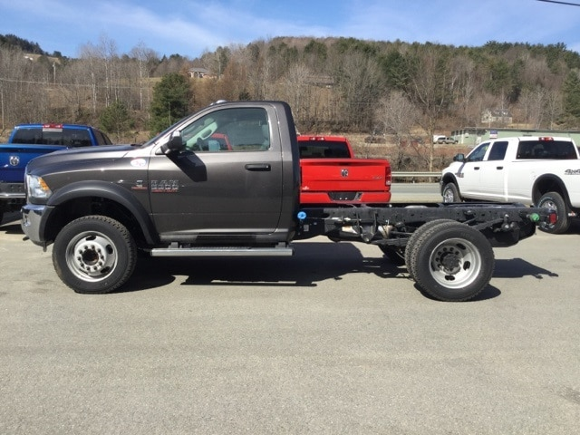 2018 Ram 5500 Regular Cab DRW 4x4, Cab Chassis #R8175 - photo 6
