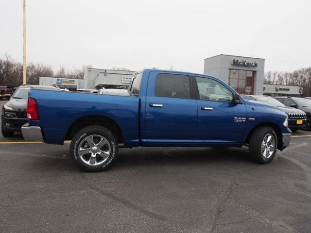 2018 Ram 1500 Crew Cab 4x4 Pickup #135611 - photo 3