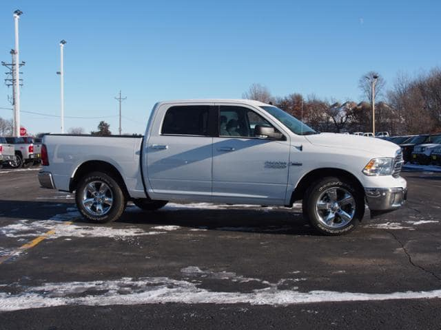 2018 Ram 1500 Crew Cab 4x4 Pickup #135612 - photo 3