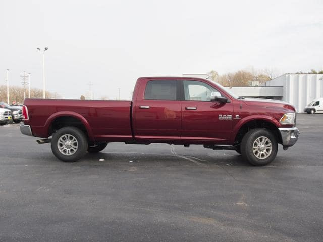 2018 Ram 3500 Crew Cab 4x4 Pickup #144038 - photo 3