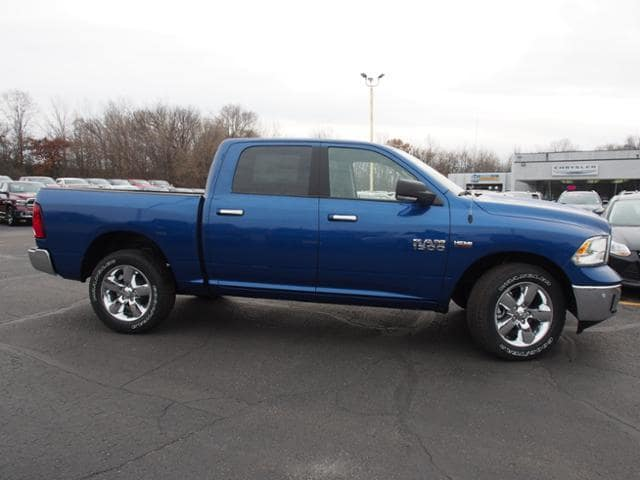 2018 Ram 1500 Crew Cab 4x4 Pickup #163268 - photo 3