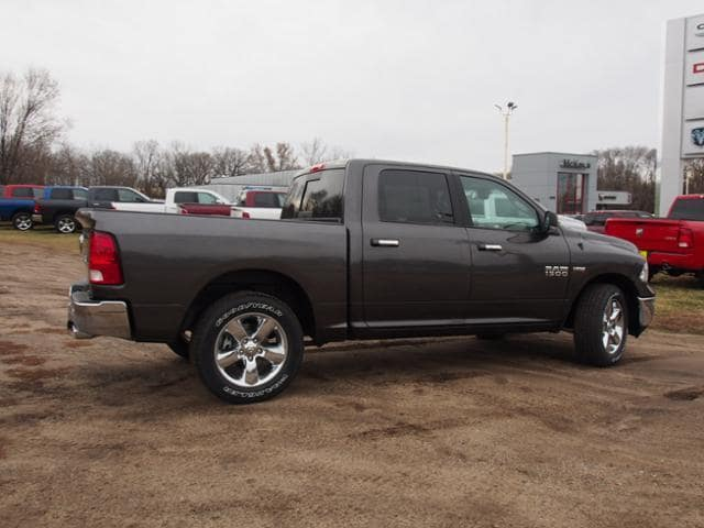 2018 Ram 1500 Crew Cab 4x4 Pickup #163271 - photo 3