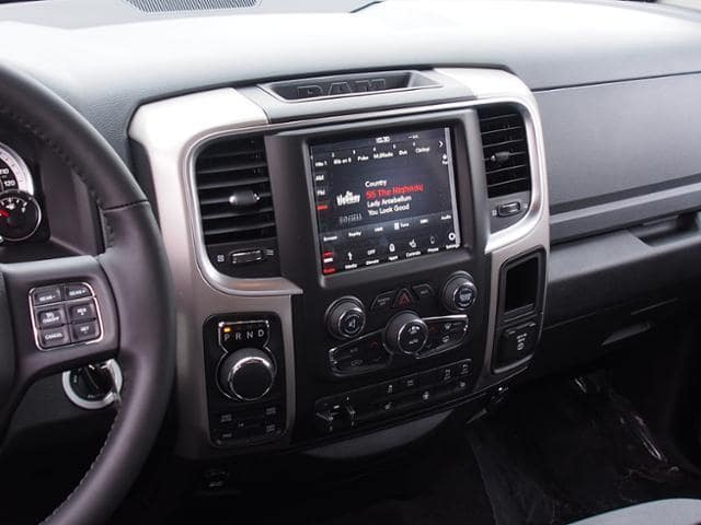 2018 Ram 1500 Crew Cab 4x4 Pickup #163271 - photo 9