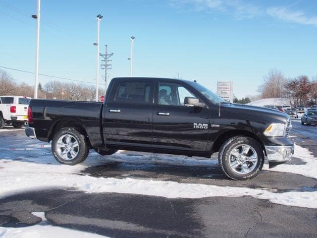 2018 Ram 1500 Crew Cab 4x4, Pickup #165441 - photo 3