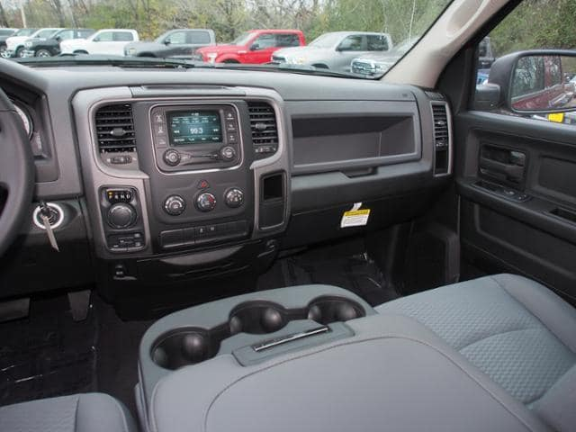 2019 Ram 1500 Quad Cab 4x4,  Pickup #542788 - photo 9