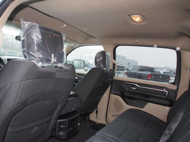 2019 Ram 1500 Crew Cab 4x4,  Pickup #638206 - photo 7