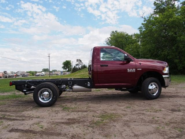 2017 Ram 3500 Regular Cab DRW 4x4,  Cab Chassis #678114 - photo 3