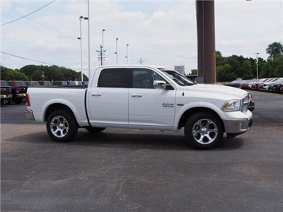 2017 Ram 1500 Crew Cab 4x4 Pickup #774277 - photo 3