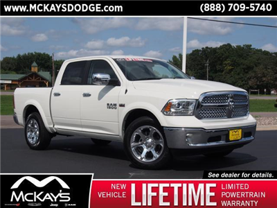 2017 Ram 1500 Crew Cab 4x4 Pickup #844109 - photo 1