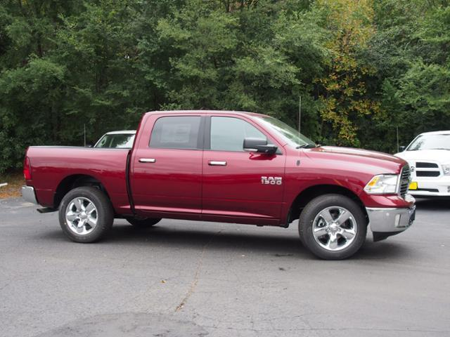2017 Ram 1500 Crew Cab 4x4 Pickup #869077 - photo 3