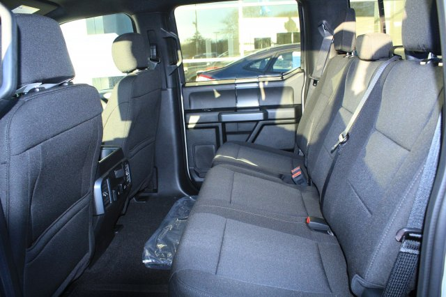 2018 F-150 Crew Cab 4x4, Pickup #M022900 - photo 4
