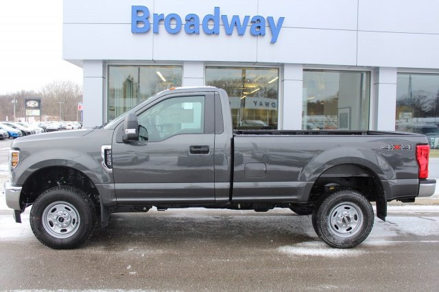 2018 F-250 Regular Cab 4x4 Pickup #M022996 - photo 3
