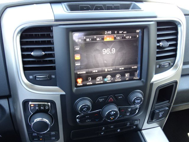 2017 Ram 1500 Crew Cab 4x4 Pickup #591683 - photo 19