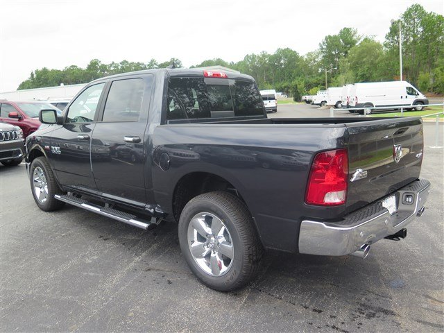 2017 Ram 1500 Crew Cab 4x4 Pickup #591716 - photo 2