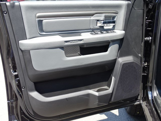 2017 Ram 1500 Crew Cab Pickup #592050 - photo 8