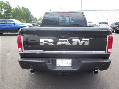 2017 Ram 1500 Crew Cab 4x4, Pickup #592093 - photo 5