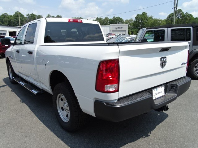 2017 Ram 1500 Crew Cab 4x4 Pickup #592203 - photo 2