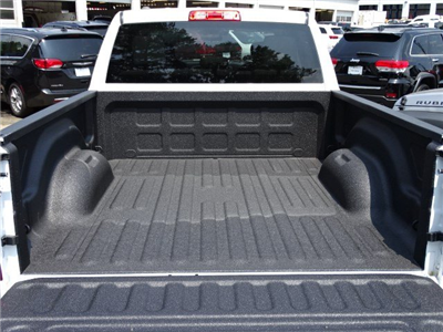 2017 Ram 1500 Crew Cab 4x4 Pickup #592203 - photo 12