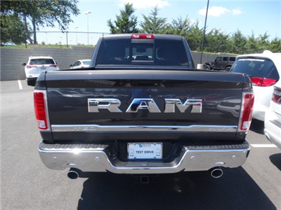 2017 Ram 1500 Crew Cab 4x4 Pickup #592333 - photo 5