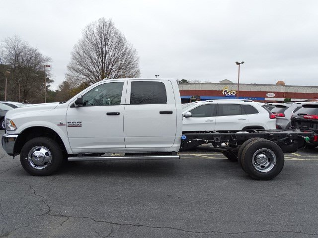 2018 Ram 3500 Crew Cab DRW,  Cab Chassis #592563 - photo 4