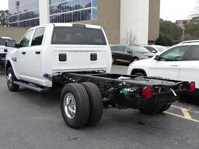 2018 Ram 3500 Crew Cab DRW, Cab Chassis #592563 - photo 2