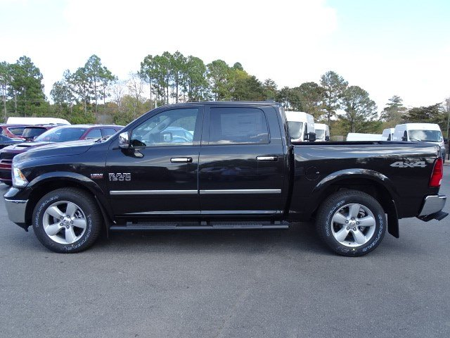 2018 Ram 1500 Crew Cab 4x4, Pickup #593160 - photo 4