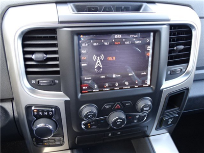 2018 Ram 1500 Crew Cab 4x4, Pickup #593160 - photo 18