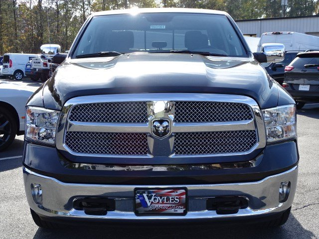 2018 Ram 1500 Crew Cab 4x4 Pickup #593161 - photo 3