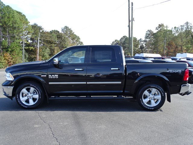 2018 Ram 1500 Crew Cab 4x4 Pickup #593161 - photo 4