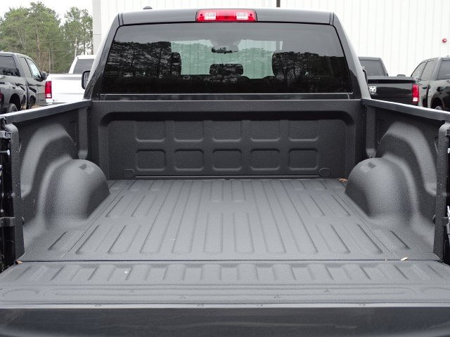 2018 Ram 1500 Quad Cab, Pickup #593254 - photo 10