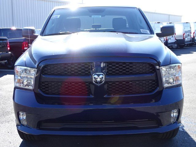 2018 Ram 1500 Crew Cab 4x2,  Pickup #593257 - photo 3