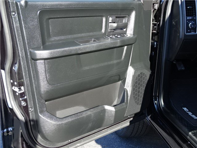 2018 Ram 1500 Quad Cab, Pickup #593261 - photo 7