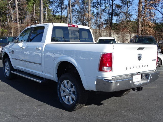 2018 Ram 2500 Crew Cab 4x4, Pickup #593372 - photo 2