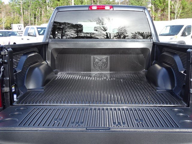 2018 Ram 1500 Crew Cab, Pickup #593532 - photo 11