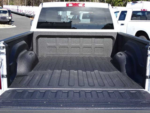 2018 Ram 1500 Quad Cab, Pickup #593590 - photo 11