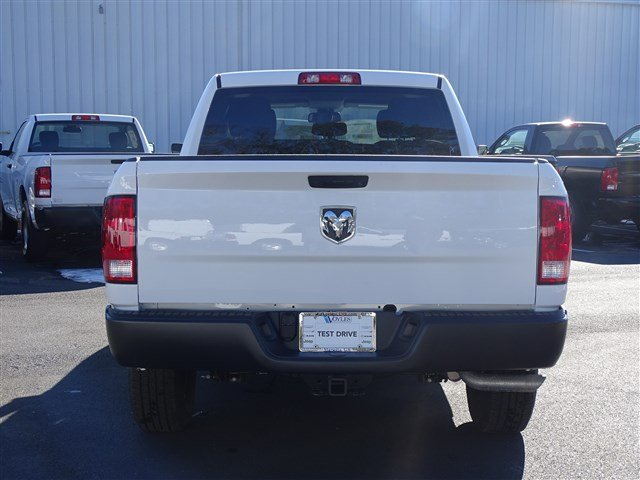 2018 Ram 1500 Quad Cab, Pickup #593639 - photo 5