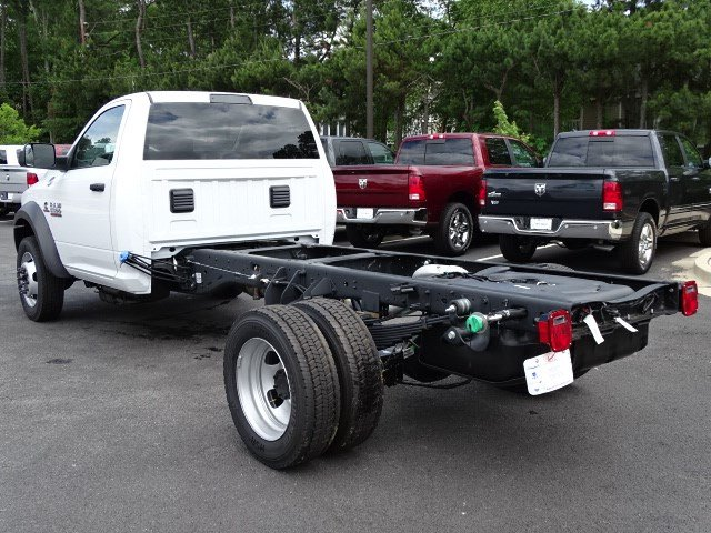 2018 Ram 5500 Regular Cab DRW 4x2,  Cab Chassis #593786 - photo 2