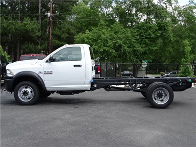 2018 Ram 5500 Regular Cab DRW 4x2,  Cab Chassis #593786 - photo 4