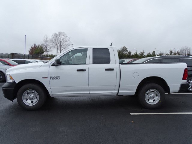 2018 Ram 1500 Quad Cab 4x4, Pickup #593863 - photo 4