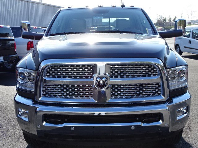 2018 Ram 3500 Crew Cab DRW 4x4,  Pickup #594217 - photo 3