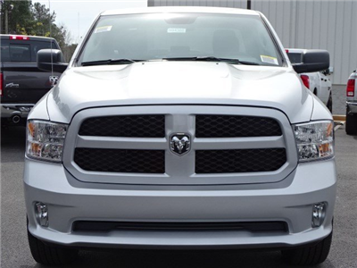 2018 Ram 1500 Quad Cab 4x2,  Pickup #594388 - photo 3